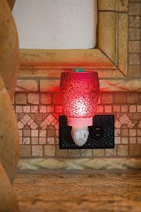 Scentsy Cranberry Glass Warmer